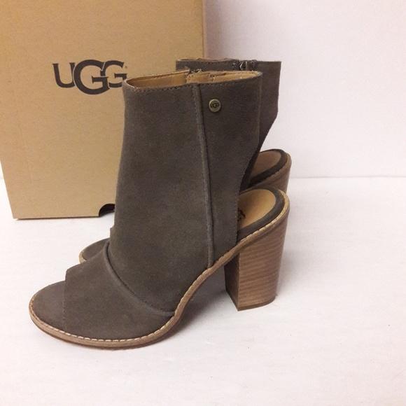 8061fd9a26b New UGG Valencia Peep Toe Booties Size 6 NWT